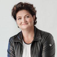 Porträtfoto von Julia Fandler