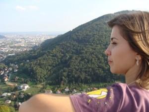 Ioana Gavenea am Schöckl mit Blick auf Graz