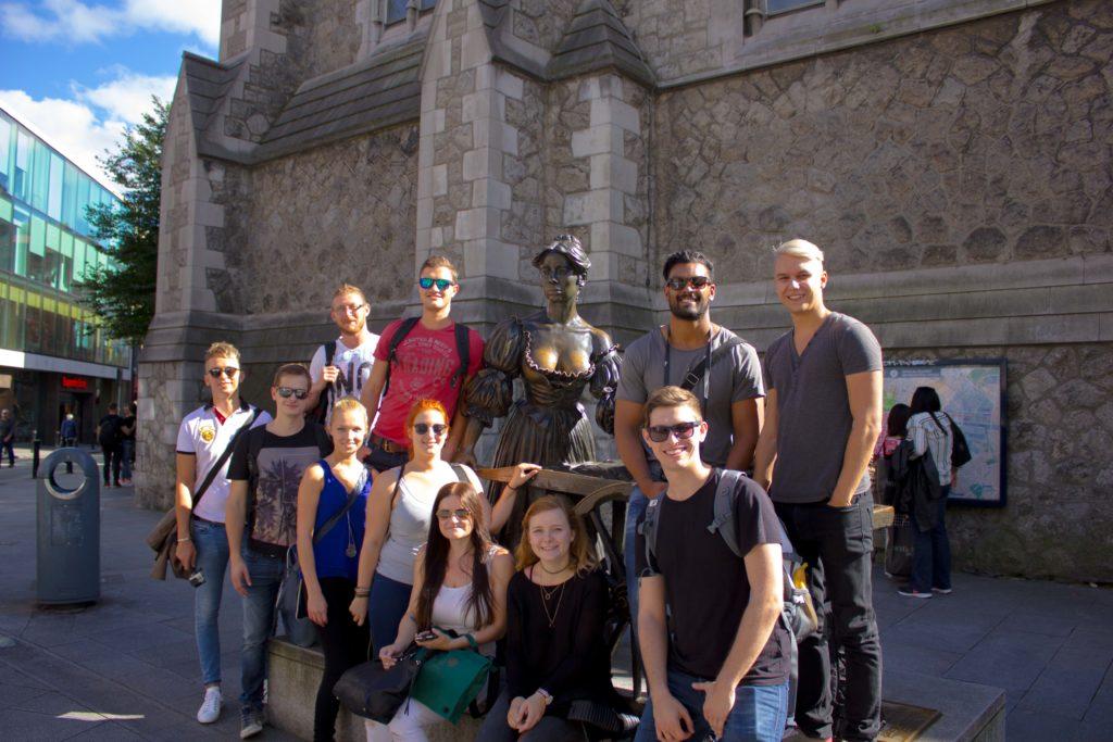 Molly Mallone und die Studierenden der FH CAMPUS 02