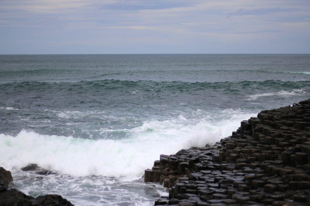 Raue See am Giant's Causeway