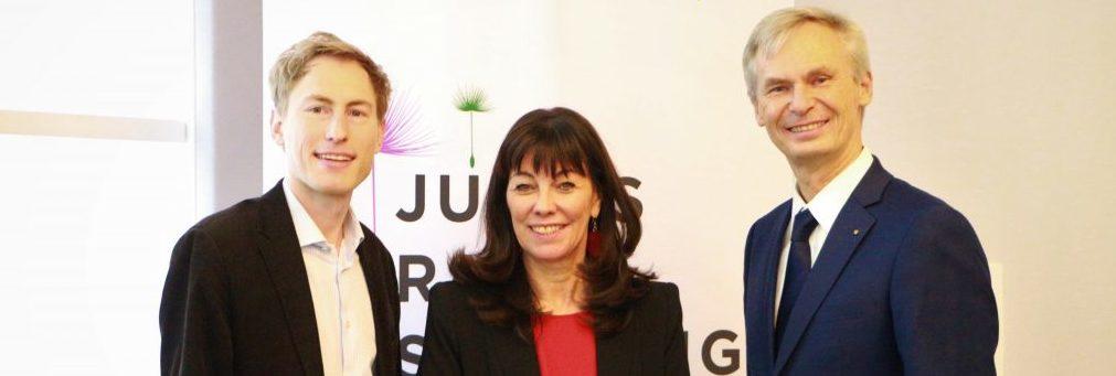 Gruppenfoto Studienpräsentation Julius Raab Stiftung